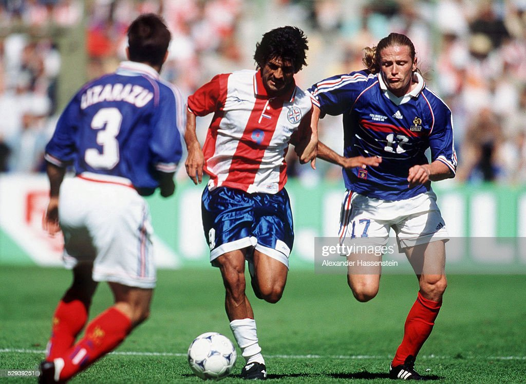 FUSSBALL/NATIONALMANNSCHAFT: M 1998 in Frankreich, ( FRA : Fotografía de noticias