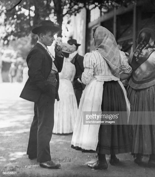 In front of a tavern at the Prater Photogaphy by Emil Mayer around 1910 [Vor einem Praterlokal vor und nach einem FuenfKreuzerTanz Es sind meistens...