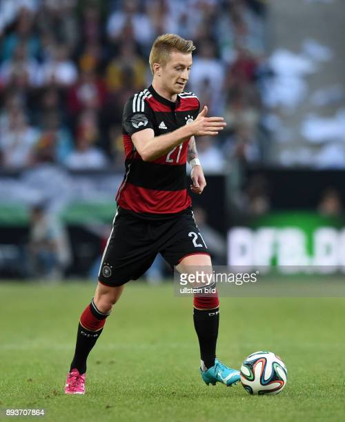 FUSSBALL INTERNATIONALES TESTSPIEL in Gladbach Deutschland Kamerun Marco Reus am Ball