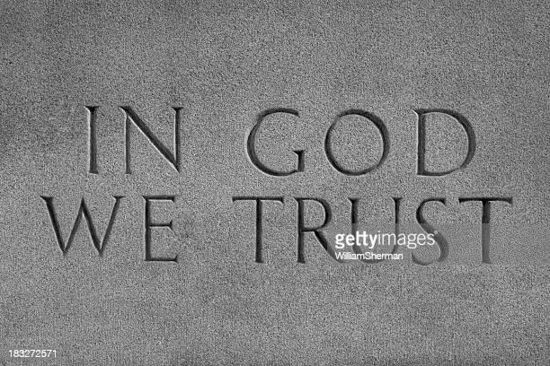 Wir vertrauen In Gott, Chiseled Stone