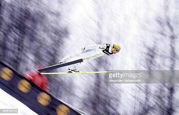 WELTCUP in HARRACHOV 2001 13/140101 SKIFLIEGEN Sven HANNAWALD/GER