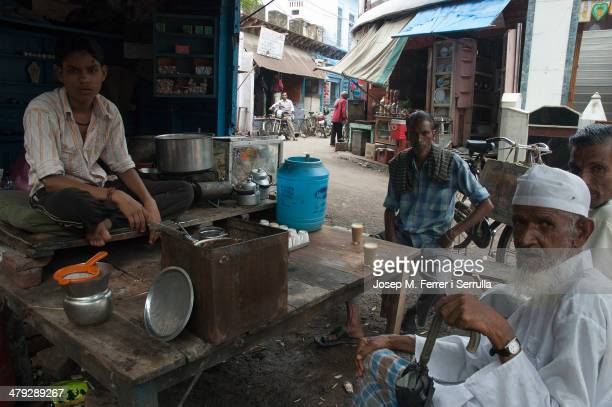 "In India there is nothing better than taking a ""chay masala 'with a disinterested company. The picture is made in Tajganj neighborhood, in the city..."
