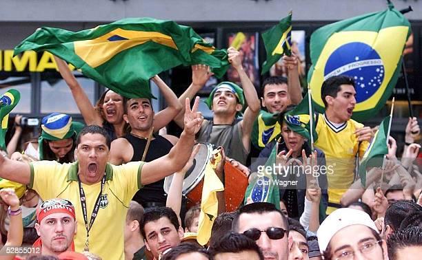 """0;""""FERNSEH LIVEUEBERTRAGUNG AUF DEM POTSDAMER PLATZ """"; BRASILIEN FAN/FANS"""