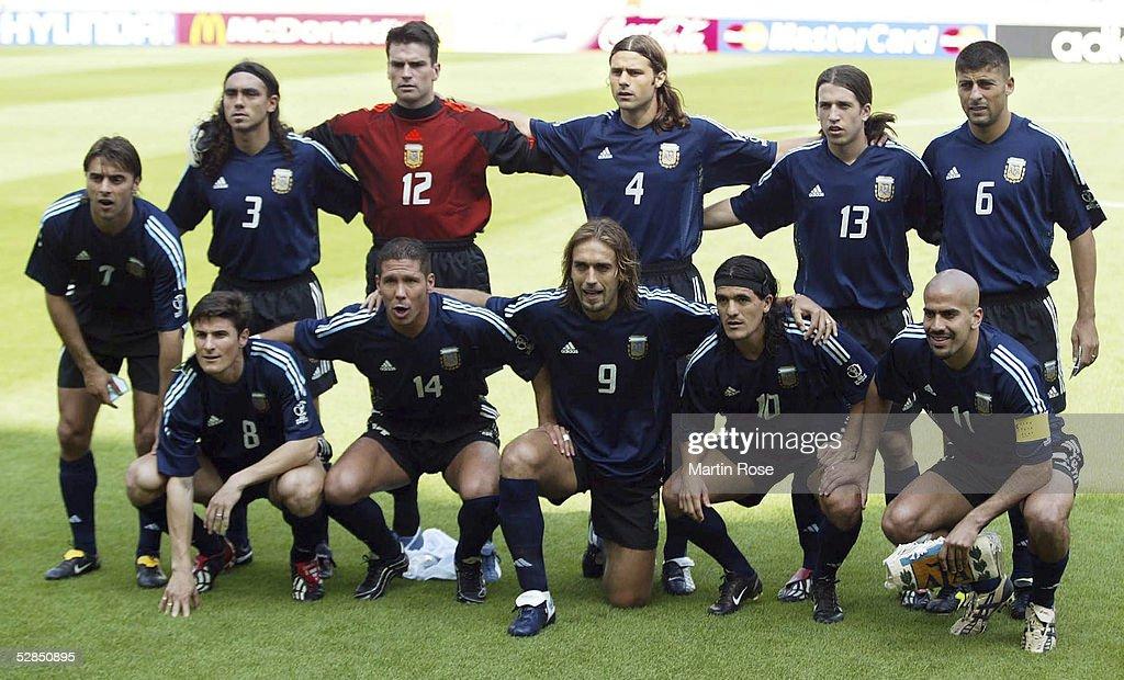 FUSSBALL: WM 2002 in JAPAN und KOREA, ARG - NGA 1:0 : ニュース写真