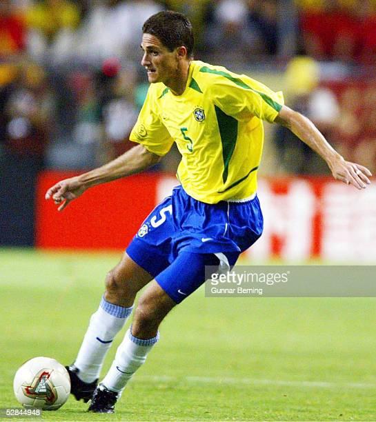 WM 2002 in JAPAN und KOREA Kobe Match 54/ACHTELFINALE/BRASILIEN BELGIEN 20 EDMILSON/BRA