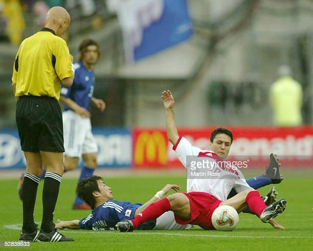 WM 2002 in JAPAN und KOREA Miyagi Match 55/ACHTELFINALE/JAPAN TUERKEI 01 Schiedsrichter Pierluigi COLLINA Akinori NISHIZAWA/JPN Yildiray BASTUERK/TUR