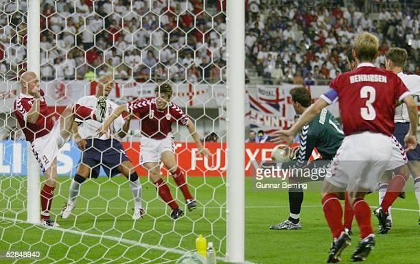 WM 2002 in JAPAN und KOREA Niigata MATCH 50/ACHTELFINALE/DAENEMARK ENGLAND 01 TOR Rio FERDINAND/ENG
