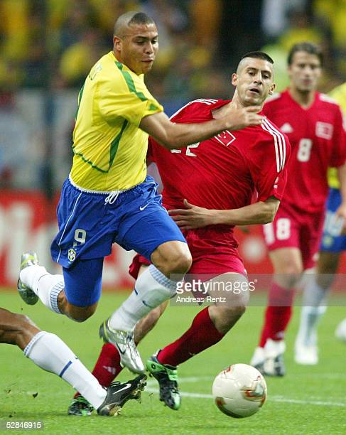 WM 2002 in JAPAN und KOREA Saitama Match 62/HALBFINALE/BRASILIEN TUERKEI 10 RONALDO/BRA UEmit DAVALA/TUR