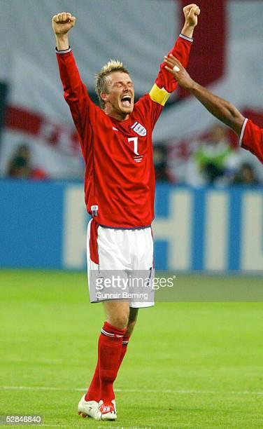 FUSSBALL WM 2002 in JAPAN und KOREA Sapporo 070602/Match 23 GRUPPE F/ARGENTINIEN ENGLAND 01 SCHLUSSJUBEL David BECKHAM/ENG
