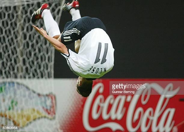 WM 2002 in JAPAN und KOREA Sapporo GRUPPE E/DEUTSCHLAND SAUDI ARABIEN 20 TOR JUBEL Miroslav KLOSE/GER