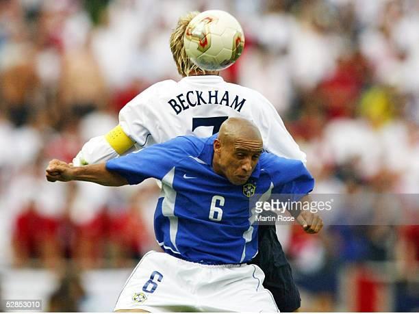 WM 2002 in JAPAN und KOREA Shizuoka Match 57/VIERTELFINALE/ENGLAND BRASILIEN 12 David BECKHAM/ENG Roberto CARLOS/BRA
