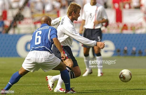 WM 2002 in JAPAN und KOREA Shizuoka Match 57/VIERTELFINALE/ENGLAND BRASILIEN 12 ROBERTO CARLOS/BRA David BECKHAM/ENG