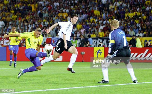 WM 2002 in JAPAN und KOREA Yokohama 300602 Match 64 / FINALE / DEUTSCHLAND BRASILIEN 02 BRASILIEN WELTMEISTER 2002 RONALDO / BRA Thomas LINKE TORWART...