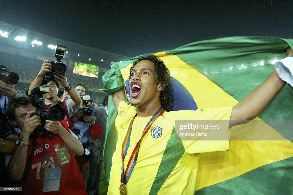 FUSSBALL : WM 2002 in JAPAN und KOREA , FINALE , GER - BRA 0:2 : News Photo
