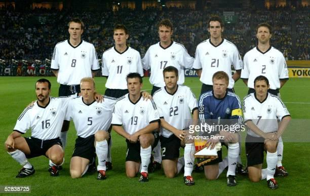WM 2002 in JAPAN und KOREA Yokohama Match 64/FINALE/DEUTSCHLAND BRASILIEN 02 BRASILIEN WELTMEISTER 2002 hintere Reihe vli Dietmar HAMANN Miroslav...