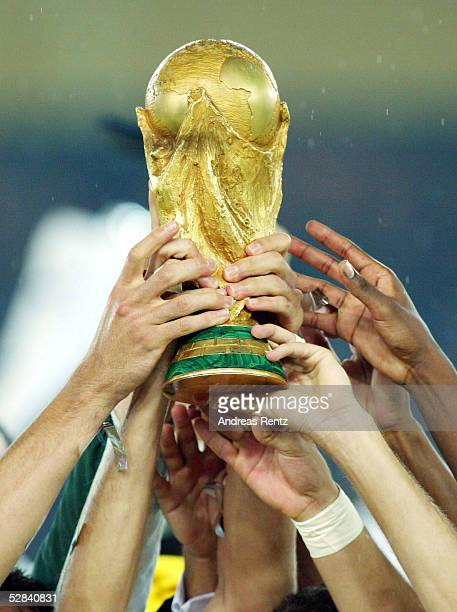 WM 2002 in JAPAN und KOREA Yokohama Match 64/FINALE/DEUTSCHLAND BRASILIEN 02 BRASILIEN WELTMEISTER 2002 WM POKAL