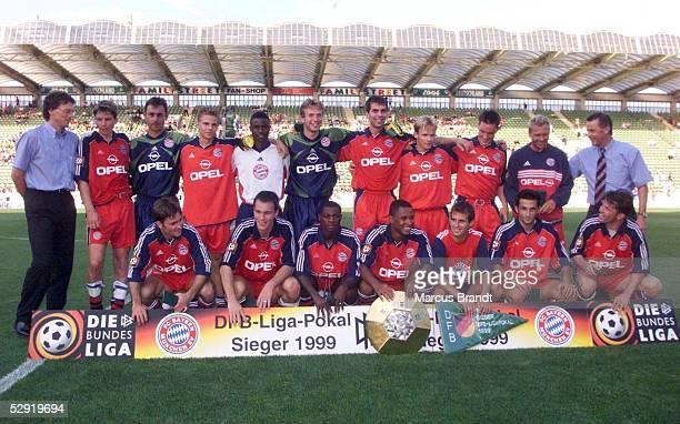 FINALE in Leverkusen SV WERDER BREMEN FC BAYERN MUENCHEN 12 DFB LIGA POKALSIEGER 1999 FC BAYERN MUENCHEN