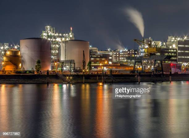 basf in ludwigshafen, the largest chemical producer in the world. - motor oil stock pictures, royalty-free photos & images