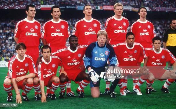 In Mailand; FC BAYERN MUENCHEN - FC VALENCIA 6:5 nach Elfmeterschiessen; FC BAYERN MUENCHEN CHAMPIONS LEAGUE SIEGER 2001; hintere Reihe v.l.n.r.:...