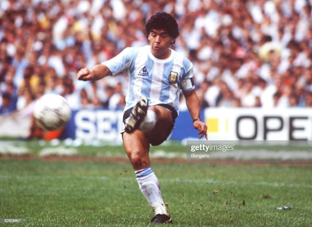 FUSSBALL: WM 1986 in MEXIKO, ARGENTINIEN - BELGIEN 2:0 : Foto di attualità
