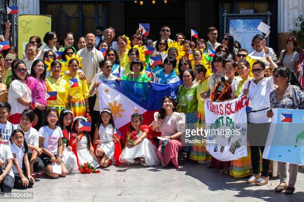 In Palermo the party of the Filipino community on the day of independence from Spain