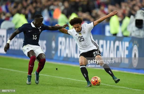 FUSSBALL INTERNATIONAL TESTSPIEL in Paris SaintDenis im Stade de France Frankreich Deutschland Leroy Sane gegen Bacary Sagna