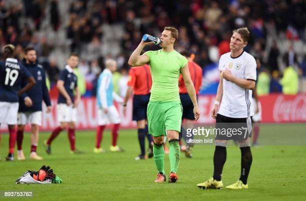 FUSSBALL INTERNATIONAL TESTSPIEL in Paris SaintDenis im Stade de France Frankreich Deutschland Enttaeuschung Deutschland Torwart Manuel Neuer und...