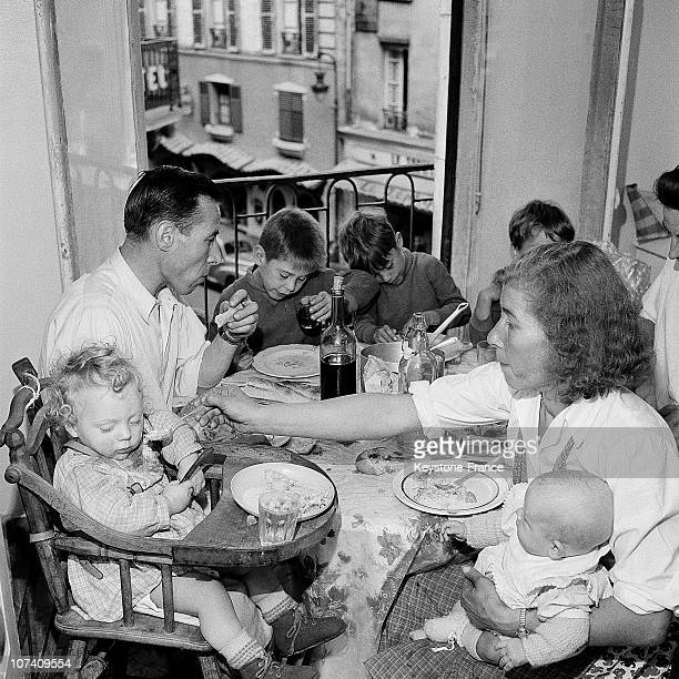 In Paris Seventeen Families 'Without Lodgings' Got Settled In An E Former Whore House Of The Rue SaintAugustin On September 12Nd 1955