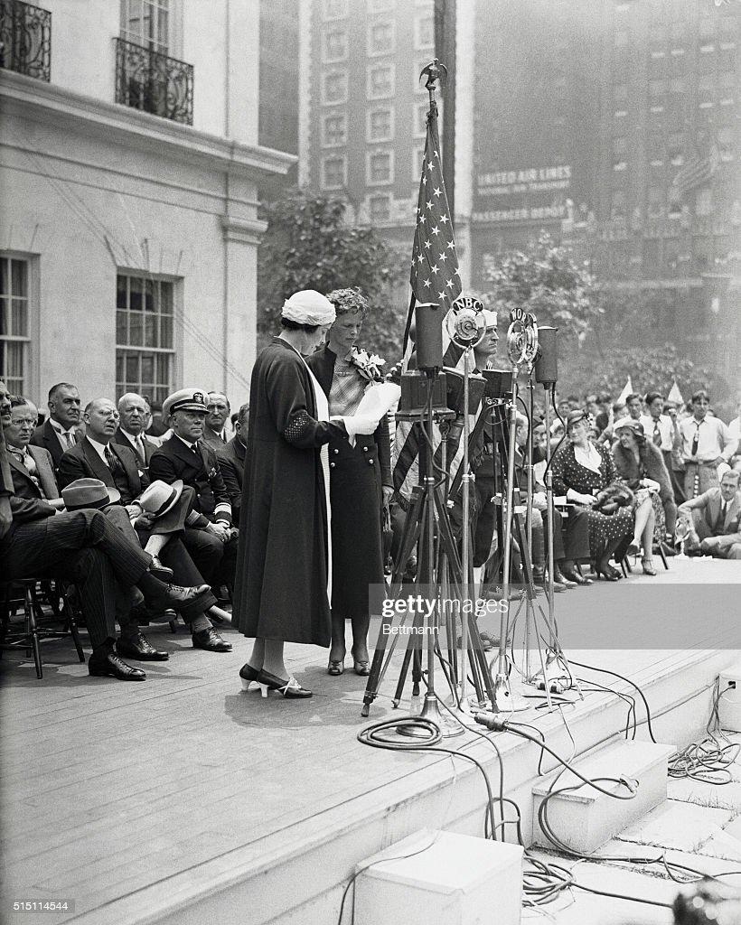 Amelia Earhart Receiving Cross of Honor : News Photo