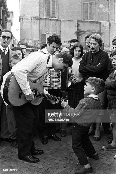 TODAY 'TODAY in Rome 1960' Pictured Italian street performers in the Piazza Navona in Rome Italy from April 11 April 15 1960 Photo by NBC/NBC NewsWire