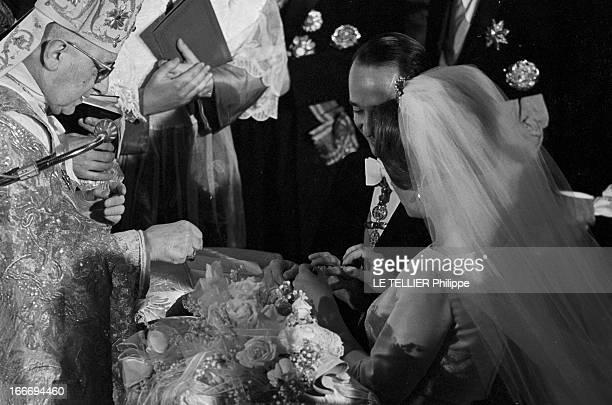 In Rome The Prince Charles Hughes De Bourbon Parma Marries Irene From Holland En Italie à Rome le 29 avril 1964 Irène DES PAYSBAS en robe et voile...