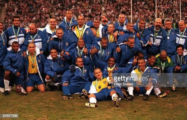 CUP 1997 in Saudi Arabien am 221297 TEAM BRASILIEN/TEAM BRA gewann den CUP mit Pokal