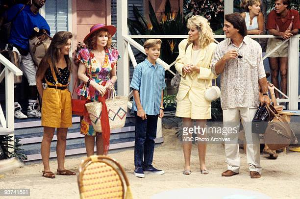 S THE BOSS 'In Search of Tony' Season Six 9/19/89 Samantha Mona Jonathan Angela and Tony vacationed on a tropical island