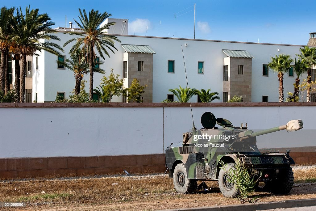 Tunisia - Attack of the US embassy by Salafis : News Photo
