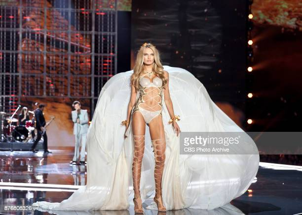 'THE VICTORIA'S SECRET FASHION SHOW' in Shanghai China for the first time at the MercedesBenz Arena Broadcasting TUESDAY NOV 28 ON CBS Pictured Romee...