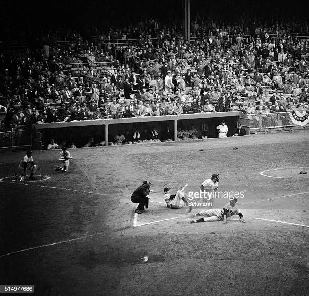 In the 1st inning of the game of the World Series between the NY Giants and the NY Yankees Giant outfielder Monte Irvin electrified the huge crowd by...