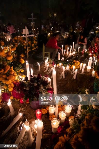 Dans le cimetière de San Agustin Etla sur le Día de los Muertos