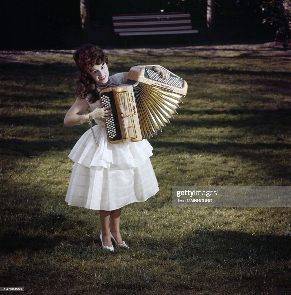 French accordion player Yvette Horner : Photo d'actualité