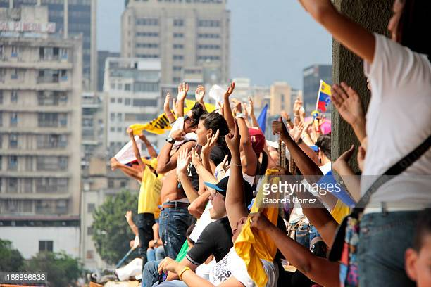 In the final event of the presidential campaing of Henrique Capriles Radonski in Venezuela for the period 2013-2019 the followers of the candidate...