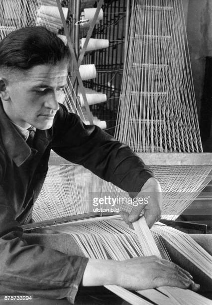 In the Germany crafts company producing technical textiles an employe at work Wolff Tritschler Vintage property of ullstein bild