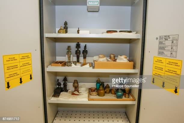In the laboratory of restoration of ceramics and metals the curator presents a series of objects from the treasure of Touthankamon's tomb They have...
