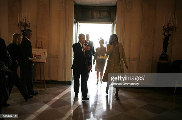 In the last moments of their administration President George W Bush first lady Laura Bush Vice President Dick Cheney and his wife Lynn welcome Barack...