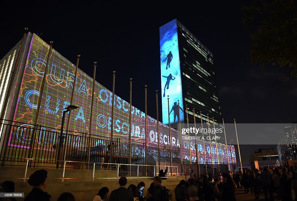UN-SUMMIT-CLIMATE-ILLUMINATIONS : News Photo