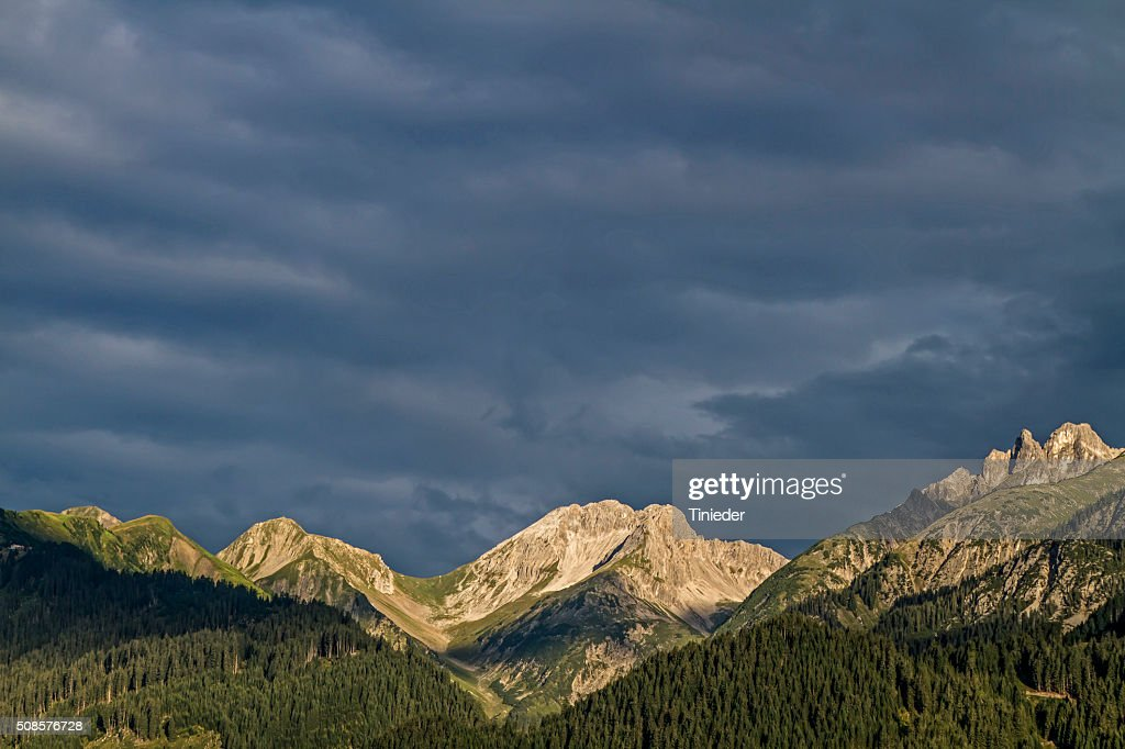 In the Lechtal Alps : Bildbanksbilder