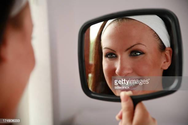 In den Spiegel