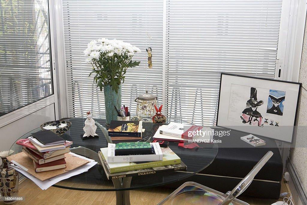 Clean modern office by michaël menuet architecte design milk