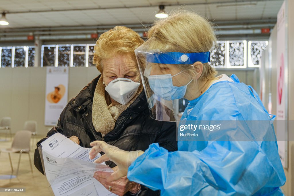 Vaccine For The Elderly Over 80 In Padua : News Photo