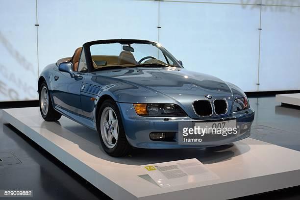 BMW Z3 im showroom