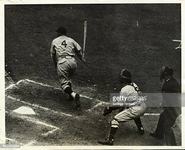 In the sixth game of the World Series the Detroit Tigers beat the Chicago Cubs 43 which won the Pennant for them Photo shows Goose Goslin leftfielder...