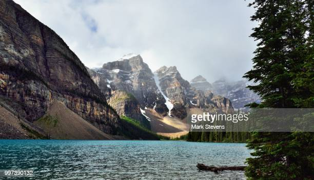in the valley of the ten peaks - valley of the ten peaks stock pictures, royalty-free photos & images